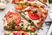 Pizza Recipes / Top rated pizza recipes from food bloggers around the web.
