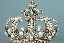 Crowns & Tiaras / by Margareth de Ornellas