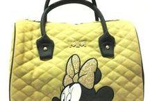 OUTLET borse MINNIE matelassé / Linea di eleganti borse ed accessori Disney in ecopelle stile matelassé. Scoprile nel nostro negozio eBay!