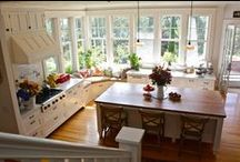 Dream Home: Barefoot in the Kitchen / by Leah Herbst