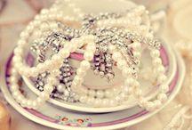 Lace & Pearl Wedding Ideas / Lace & Pearl Wedding Decoration Ideas