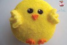 Decorating-Cupcakes