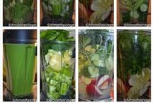 Green Smoothies / by Lauren Howes