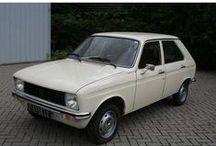 Peugeot 104 GL / 1981 Peugeot 104 GL - Hatchback (5 drs) Vermogen motor:44 PK Aantal cilinders:4 Bouwjaar:juni 1981 Kleur:Beige Bekleding:Stof (Bruin) Brandstof:Benzine Versnellingsbak:Handgeschakeld, 4 versnellingen Km. stand:7.600 km Cilinderinhoud:954 cc APK:bij aflevering BTW/Marge:Marge Prijs: € 5.250