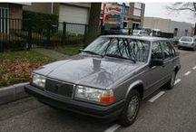 VERKOCHT - Volvo 940 GLE 2.4 TD / Volvo 940 GLE 2.4 TD - BIJTELLINGSVRIENDELIJK Inrichting:Sedan (4 drs) Vermogen motor: 122 PK Aantal cilinders: 6 Bouwjaar: februari 1992 Kleur: Antraciet metallic (donker grijs metallic) Brandstof:Diesel Versnellingsbak: Handgeschakeld, 5 versnellingen Km. stand:97.500 km Cilinderinhoud: 2.383 cc Max. trekgewicht: 1.600 kg Inhoud laadruimte: 471 liter Gemiddeld verbruik: 8,4 l/100km Verbruik stad: 9,4 l/100km Verbruik snelweg: 6,0 l/100km BTW/Marge: Marge Prijs: € 3.500.