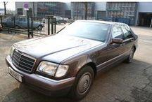 VERKOCHT - Mercedes-Benz S350 TD W140 / MB S350 TD W140 - Turbo Diesel 29.000KM BIJTELLING VRIENDELIJK Inrichting:Limousine (4 drs) Vermogen motor:149 PK Aantal cilinders:6 Bouwjaar:april 1996 Kleur:Bornit metalic (paars metallic) Bekleding:Stof (Zwart) Brandstof:Diesel Versnellingsbak: Automaat Km. stand:28.000 km APK:bij aflevering BTW/Marge: Marge Prijs: € 21.500 Kosten rijklaar maken:€ 850