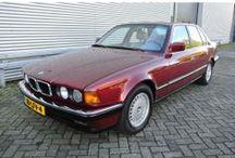 VERKOCHT - BMW 730i V8 Aut. U9 / Merk:BMW Model:7 Serie Type:730i AUT U9 Inrichting:Sedan (4 drs) Vermogen motor:218 PK Aantal cilinders:8 Bouwjaar:maart 1993 Kleur:Rood metallic Bekleding:Leder (Licht grijs) Brandstof:Benzine Versnellingsbak:Automaat Km. stand:141.000 km Cilinderinhoud:2.997 cc Gewicht (leeg):1.670 kg Max. trekgewicht:1.600 kg APK:tot 21 juni 2014 BTW/Marge:Marge Prijs: € 5.950