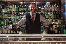 Tales from the bar / Take a seat at our pewter bar with its spectacular rail of ice designed to hold and keep your glass of Champagne perfectly chilled. Have our dedicated oyster shucker prepare a tray of the day's catch while you browse the appetizing bar menu. Have one of our mixologists craft your favourite classic cocktail, or try one of our seasonal originals. Enjoy an apéritifbefore dinner. Come back for a nightcap.