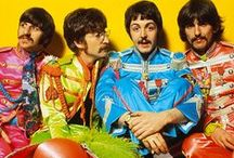 The Beatles / The Beatles were an English rock band that formed in Liverpool, in 1960. With John Lennon, Paul McCartney, George Harrison and Ringo Starr.