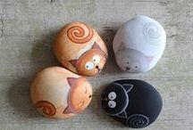 mandale na kamieniach / rysunki i wzory na kamieniach i muszlach