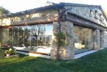 Agriturismo, vetrate panoramiche / A wonderful veranda with a swimming pool. Vetrate panoramiche.