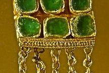 antique / jewelry