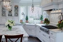Kitchens / Who would want to dirty up these beautiful kitchens!