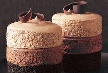 The Naughty Corner / cakes, cupcakes, desserts