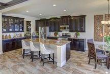 Designer Kitchens / Kitchens Designed by Profesionals