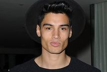 Siva Kaneswaran na festa da Red Light Management 2015, em Los Angeles, nos Estados Unidos. - 08/02 / Siva Kaneswaran compareceu à after party do Grammy da Red Light Management 2015, em Los Angeles, Estados Unidos, em 8 de fevereiro.