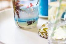 Bolsius Holiday Dreams / Bolsius Droom weg met de Holiday Dreams collectie. Deze nieuwe range geurglazen is geïnspireerd op de meest geliefde vakantieplekken. Bij elk design is een passende geur ontwikkeld, die je direct mee neemt: van een tropisch strand in de Caribbean tot de lavendelvelden in de Provence… reis met ons mee!