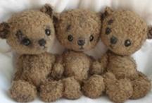 teddy bears... / Vieux ours en peluche.....