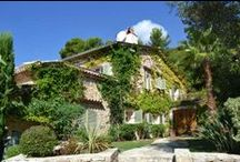 Villages in the South of France / Rent a holiday villa in one of the many beautiful villas in the hills above Cannes and Nice. Choose Mougins, Valbonne, Grasse, Valbonne or Vence.