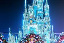 Christmas: Theme Park Holiday Fun / Holiday fun at Disney Parks, Universal Orlando Resort, Busch Gardens, SeaWorld and more!