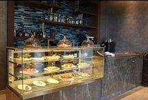 Link Cafe / The Link@ Sheraton Café is a gourmet café created to complement the Link@Sheraton by serving fresh, high quality ready-to-eat items, including beverages, a full café which transitions into the lobby bar in the evenings.
