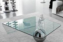 MODERNO / El acero cromado, el vidrio y el negro siguen siendo los protagonistas de este estilo asociado a lo masculino.