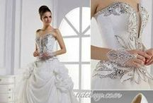 Wedding Style: Dresses / by Charmaine Zoe
