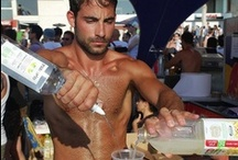 Hot Bartenders / Hot Bartenders