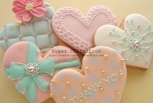 Love cup cakes and cookies
