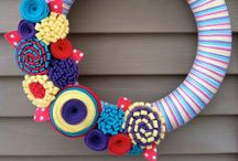 All to do with WREATHS, GARLANDS AND BAUBLES / Hand crafted ideas to make wreaths, garlands and baubles