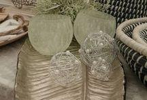Tischdeko & Deko Ideen / Egal, ob ihr zu Weihnachten Gäste habt, eine Gartenparty plant, Ostern festlich gestalten möchtet, Geburtstag oder Namenstag feiern möchtet - immer edel mit passender Tischdeko. Auch zur Hochzeit, Kommunion, Konfirmation, Taufe. Egal, welche Feier, Fete oder Party ihr plant, hier gibt es Anregungen. Mit Blumen, Holz, Kerzen, Steinen, Kristallen, Kürbis - es gibt vielfältige Möglichkeiten. Dekoideen für Frühling, Sommer, Herbst und Winter.
