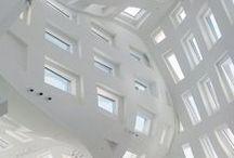 Postmodernism & Dekonstruktivisme / http://www.dac.dk/da/dac-learning/netundervisning/arksite-plus/arkitekturhistorie-1/postmodernismen-1/