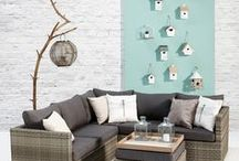 KWANTUM | Tuin / Heerlijk buiten zitten met de zon op je snoet.. Het kan weer! We laten je de mooiste meubelen en tuinaccessoires zien zodat jij je tuin helemaal klaar maakt voor de warme zomerzon.