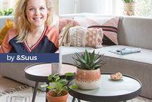 WOWN! By &SUUS / Suzanne de Jong deelt op haar met awards bekroonde weblog ensuus.nl over zaken waar ze blij van wordt. Suus heeft een no-nonsense kijk op de zaken en deze instelling komt terug in haar frisse en gezellige stijl, met een flinke vleug humor. Daarnaast is Suzanne eigenaar van &SUUS Interieur Advies en Styling. Haar bedrijf is ontstaan vanuit een passie voor wonen en het willen helpen van mensen bij het vinden van de juiste sfeer in huis of bedrijf. Voor WOWN! ontwierp Suzanne haar eigen collectie.