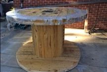DIY Repurposed Spool Table / Repurpose an old electrical wooden spool into an awesome bar height outdoor table.