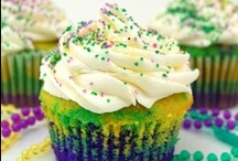 Cupcakes & cakes / by Tammy Boyer