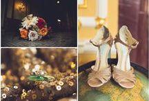 Providence Library Wedding - Ellen and Jim / #johnortonevents #Providencelibrary #AudreyMassart #Ormondeproduction #gardenrose #quicksandandorangerose #summerflowers #Floatingbooks