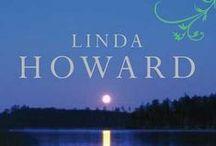 Biblioteca Linda Howard / Linda Howard nació en 1958. Dejó su trabajo como administrativa por la escritura, y es ahora una de las autoras norteamericanas de mayor éxito. Escribe desde que es una niña y vendió su primera novela en 1980. En la actualidad vive en una granja en Alabama con su esposo, un pescador profesional a quien acompaña a numerosos torneos, llevando siempre su ordenador portátil para poder escribir allí donde esté.