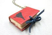 Bisutería y complementos para grandes lectoras / Collares, anillos, bufandas, zapatos... ¡de libros!