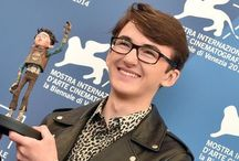 Isaac Hempstead-Wright / Isaac used to be cute little boy but now he's a fine-looking, hot damn attractive young man