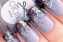 Glitter Nails / Glitter nails, glitter nail varnish, glittery nails, shiny nails, sparkly nails