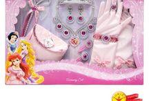 Princesas - Acessórios / Fazer a diferença na vida dos pequenos, inspirando imaginação.
