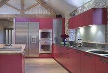 Roundhouse kitchen colour / Roundhouse colourful kitchens