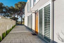 Grey House - 08023 Architects - Barcelona / Una casa que difiere mucho del proyecto inicial pero en el que hemos experimentado con un nuevo sistema de trabajo: esta vez han sido los propietarios de la vivienda los que han tomado las principales decisiones del proyecto y la obra.   Nuestro objetivo era que se hiciesen la casa que ellos quisieran y cómo quisieran, sin presiones ni gestos de arquitecto.  El resultado es una vivienda que se adapta como un guante a todo lo que quieren y desean sus habitantes. / by 08023 Architects