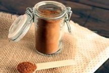 Homemade Spices / DIY spices, homemade spices, how to make your own sauces, rubs and seasonings.