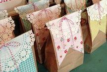 Scrapbooking gift bags