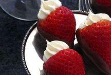 Dessert / Winter Season Cocktail - Garnish, Dessert (ex:Strawberry and...)