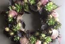 seasonal wreaths / A wreath on your door all year long? We all love a Christmas wreath but how about an Easter one with spring bulbs or one for the summer with succulents. All these wreaths are handmade using all natural ingredients.