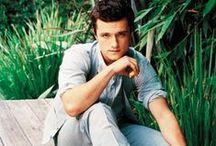 Josh Hutcherson / Narodil se 12. října 1992 v Union, Kentucky. Je americký filmový a televizní herec. Do povědomí diváků se dostal díky filmům Zathura: Vesmírné dobrodružství, Polární expres nebo Hunger Games.