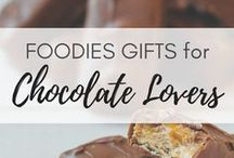 Chocolate Lovers Foodies Gifts / gifts for foodies | gifts for sweet thooth |mason jar gifts | gift ideas for sweet aficionado | gifts for chocolate lover | thouhhtful gifts for foodie | chicolate gifts | chicolate gift boxes